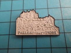 PIN2317 Pin's Pins / De Belle Qualité Et Rare VILLES / CHATEAU DE PALLUAU SUR INDRE - Cities