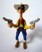 FIGURINE LUCKY LUKE PLASTOY 1997 LUCKY LUKE DEUX REVOLVER TBE - Figurines