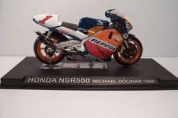 HONDA  NSR 500   - MOTO  -  Michael  Doohan  1998 - - Motos
