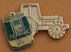 W 356 ).... .............TRACTEUR   .....ENGIN  AGRICOLE... ...TERRAC - Pins