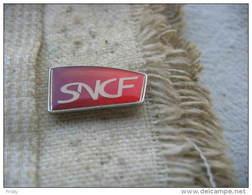 Pin's Du Sigle De La SNCF - Transport Und Verkehr