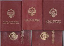 LOT 7  ---  S. F. R.  YUGOSLAVIA  ---    5 X  PASSPORT   --   / JAHR  1972, 1975, 1969, 1984, 1985 - Historical Documents