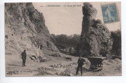 CHERBOURG (50) - LA ROCHE QUI PEND - Cherbourg