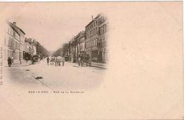 """Cpa 55 BAR-le-DUC """"Précurseur Nuage"""" Rue De La Rochelle Animée:fiacre Devant Le Grand Hotel ,charrettes à Chevaux, Neuve - Bar Le Duc"""