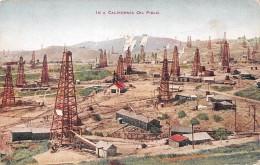 In A California - Oil Field US - Etats-Unis