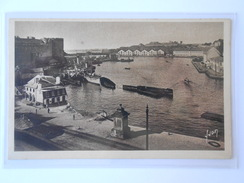 CPA YVON 6 BREST L'avant-port Militaire - Brest