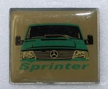 Pin's Mercedes . Camion . Truck . Sprinter - Mercedes