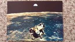 CPSM LA CONQUETE DE LA LUNE PAR APOLLO XI JUILLET 1969 LE LEM VIENT DE QUITTER LA LUNE ET AU FOND LA TERRE SE LEVE 9 - Astronomia