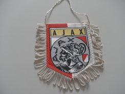 Fanion Football - AJAX AMSTERDAM -PAYS BAS - Habillement, Souvenirs & Autres
