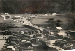 Dep - 63 - PLAGE DU LAC CHAMBON Parc à Autos, Vieux Bus, Vieilles Voitures - France