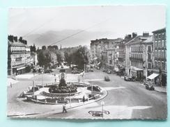 V05-B-dep 38--isere-voiron-place De La Republique-animee-voitures- Fontaine--photo Veritable- Beau Timbre- - Voiron