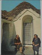 BARI - Alberobello - Anziane Davanti Ad Un Trullo - 1983 - Bari