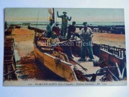 FRANCIA FRANCE ARCACHON Cote D'Argent Travaux Ostreicoles Boats Fisherman Old Postcard - Arcachon
