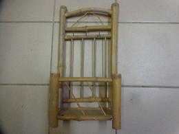 Porte Vetements + 4 Cintres  Avec 3 Crochets--. Pour  Poupee Hauteur 34 Cm Largeur 17cm -en Bambou - Autres Collections