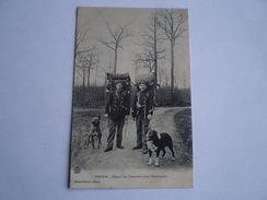 Hirson (02) Depart Des Douaniers Pour L'Embuscade Avec Chiens // Used 1909 RARE - Hirson
