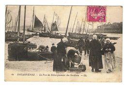 CPA 29 DOUARNENEZ Le Port De Debarquement Des Sardines - Douarnenez