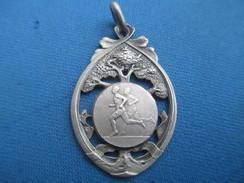Médaille De Sport/Athlétisme / Course à Pied /Cross?/ Vers 1930 - 1950                     SPO232 - Athletics