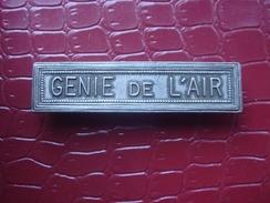 Barette . Agrafe - GENIE DE L'AIR - France
