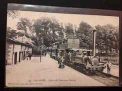 Cpa 64 - BAYONNE . Départ Du Train Pour Biarritz - Collection Gorce, Valence (Gironde) - Bayonne