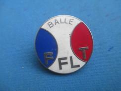 Médaille De Sport/Fédération Française De Lawn Tennis/FFLT/Balle /Bronze Argenté Cloisonné Et Peint/Vers1970-1980 SPO249 - Tennis
