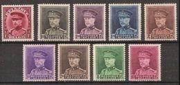 Nrs. 317 - 324 * MH Postfris Met Plakkerspoor ( Nr. 324 M(VL)H ) En Allen In Zéér Goede Staat ! - 1931-1934 Mütze (Képi)