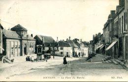 N°58505 -cpa Souvigny -la Place Du Marché- - Frankreich