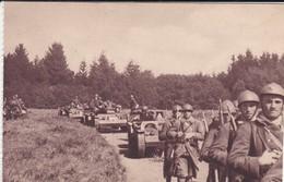 MILITARIA---infanterie Avec Ses Chenillettes--( Sortie Carnet )---voir 2 Scans - Manoeuvres