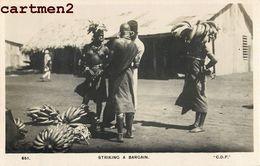 STRIKING A BARGAIN MAASAI KENYA TYPE AFRIQUE - Kenya