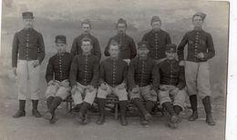 UZES CARTE PHOTO GROUPE DE SOLDATS - Uzès