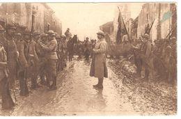 Verdun - Na één Der Hevige Gevechten Van Verdun .../ Décoration De Soldats - Guerre 1914-18 - WW1 - Animée - Verdun