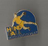 Pin's Handball Noyelles Godault° - Handball