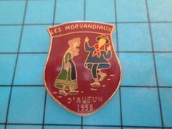 Pin710F Pin's Pins : Rare Et Belle Qualité : ASSOCIATION / LES MORVANDIAUX D'AUTUN 1958 GROUPE FOLKLORIQUE - Associations