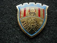 PIN'S FOOTBALL BLASON SABLE F.C - Calcio