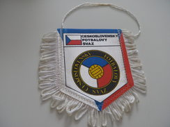 Fanion Football - FEDERATION - TCHECOSLOVAQUIE - Habillement, Souvenirs & Autres