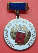 ALBANIA VERY RARE ENAMELED MEDAL OR ORDER, IDALLUAR NE PUNEN KULTURALE, 32 MM. - Médailles & Décorations