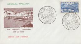 Enveloppe  FDC  1er  Jour    MADAGASCAR      Pont     PRESIDENT   TSIRANANA     1962 - Ponti