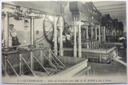 LE CHAMPAGNE - SALLE DES PRESSOIRS CHEZ MM . G . H . MUMM & Cie , à AVISE - Altri Comuni