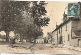 03 - YZEURE - Un Coin De La Place - (La Mairie) - P. Paquet, Moulins - Francia