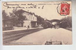 RT30.343  SORGUES . LA GARE AVEC TRAIN. VAUCLUSE.COLLECTION ARTISTIQUE J.BRUNET Cie.N° 7.CACHET CONVOYEUR. - Stations With Trains