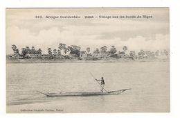 Afrique Occidentale / SOUDAN / VILLAGE SUR LES BORDS DU NIGER ( Pirogue ) / Coll. FORTIER  N° 395 - Soudan