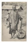 Afrique Occidentale / GUINEE / GRIOT SOUSSOU  ( Musicien Et Chasseur ) / Coll. FORTIER  N° 1317 - French Guinea