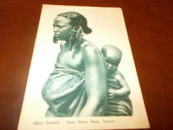 B642  Africa Orientale Donna Con Bambino Non Viaggiata - Cartoline