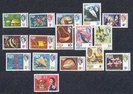Fidji, Yvert 219/235, Scott 240/256, SG 371/387, MNH - Fidschi-Inseln (...-1970)