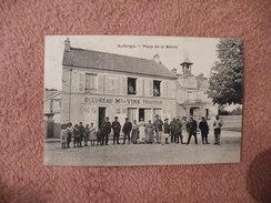 A444. CPA. 78. AUFFARGIS. Place De La Mairie.   Beau Plan Animé. écrite & Voyagée 1907 - Auffargis