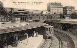 75 PARIS   Le Métropolitain  Vue Intérieure De La Gare De La Bastille - Stations, Underground