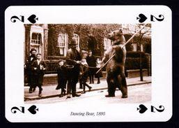 CARTE A JOUER - LE MONTREUR D' OURS EN 1895 - 2 DE PIQUE ISSU D'UN JEU DE CARTE CONTEMPORAIN - Playing Cards