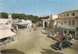 JUAN Les PINS - Automobiles - Carrefour Du Casino - Cpsm Gf - Autres Communes