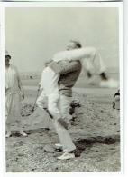 Foto/Photo. Gymnastique Sexy Sur La Plage De Coxyde 1928. - Lieux