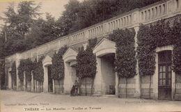 THESEE ( Montreur D'Ours ) Les Mazelles - Treilles Et Terrasse - France