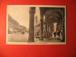 CARTOLINA  FAENZA PIAZZA VITTORIO EMANUELE   ANIMATA     - D 853 - Ravenna